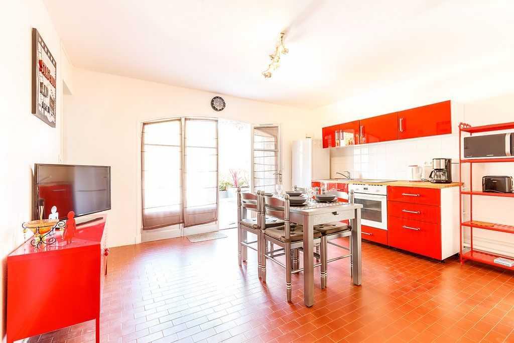 location d 39 appartements giens i tilou location. Black Bedroom Furniture Sets. Home Design Ideas